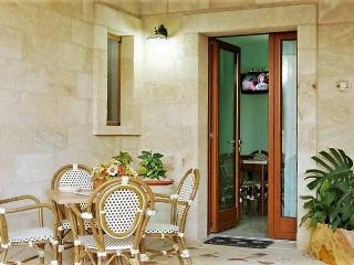Two-room-independent-in-rent-a-Lido-Marini-to-ground-floor-close-to-sea-N5-CVR54 - Ugento vacation rentals