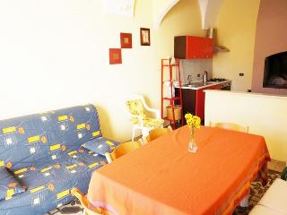 Holiday home in Alezio few km from Gallipoli and the beaches and nightlife - Alezio vacation rentals