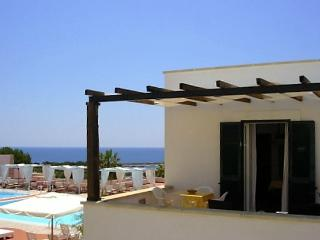 Two-room-for-rent-by-holiday-in-residence-a-Santa-Maria-di-Leuca-with-view-pool-CVR916 - Castrignano del Capo vacation rentals
