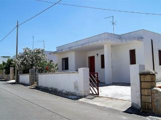 Terraced marine Capilungo Alliste a few meters from the sea - Alliste vacation rentals