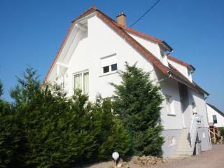 Chambre d'hôtes Le Lavandin proche SAVERNE - Kleingoeft vacation rentals