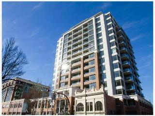 Modern Downtown Victoria 1 Bedroom Condo - Victoria vacation rentals