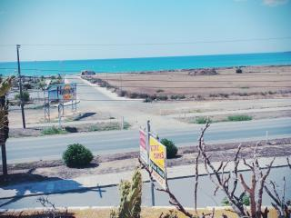 Sea view apartemt tourist area - Oroklini vacation rentals