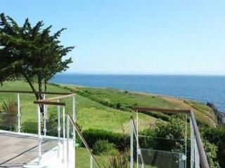 Bright 4 bedroom House in Doelan - Doelan vacation rentals