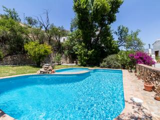 3 bedroom House with Private Outdoor Pool in Conchar - Conchar vacation rentals