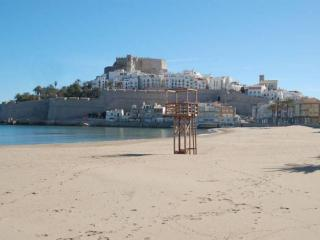 Nice Condo with A/C and Long Term Rentals Allowed (over 1 Month) - Peniscola vacation rentals