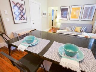 Amazing Little Italy location, 2bd sleeps 4-6 (m2) - Boston vacation rentals