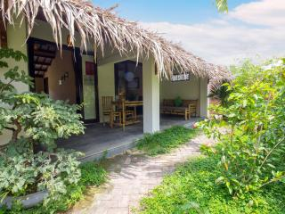 Red Flower Cottages - Gerbera room - Hoi An vacation rentals