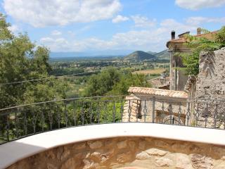 Castello - Appartamento panoramico - Roccasecca vacation rentals