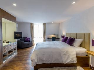 Dasiri Downtown Residence Unit 3 - Lat Yao vacation rentals