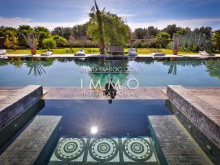 Beautiful luxury villa with huge pool in Paradise - Marrakech vacation rentals