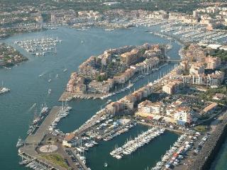 Romantic 1 bedroom Cap-d'Agde Condo with Long Term Rentals Allowed (over 1 Month) - Cap-d'Agde vacation rentals