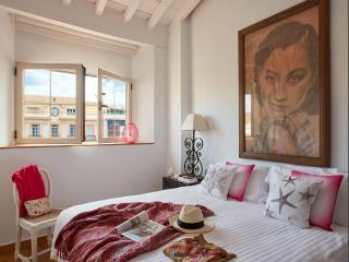Lodgingmalaga - Atico Drcha Constitucion - Malaga vacation rentals