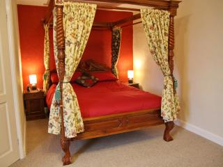 Nice Bed and Breakfast with Internet Access and Wireless Internet - Tiverton vacation rentals