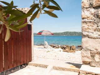 Romantic 1 bedroom Drvenik Mali Condo with Patio - Drvenik Mali vacation rentals