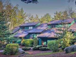 Deluxe 3BR Stonehurst Village Condo - North Conway vacation rentals