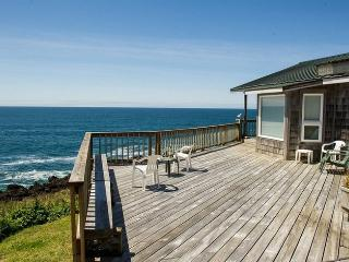 2 bedroom Cottage with Deck in Depoe Bay - Depoe Bay vacation rentals