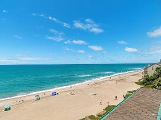 Stunning 9BR in Carlsbad on the Beach, Designer Decorated & A/C Equipped - Carlsbad vacation rentals
