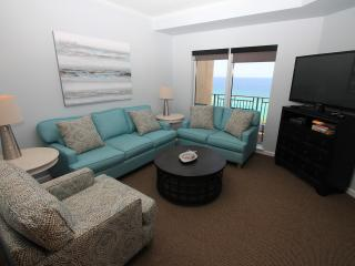 Discounted Fall rates!  sleeps 11! Front of building west view! - Destin vacation rentals