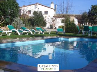 Majestic Catalan mansion in Riudarenes for 20 guests, located just outside of Girona - Riudarenas vacation rentals
