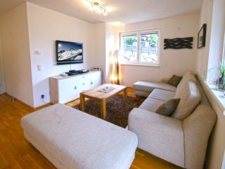 Cozy Apartment with Television and Microwave - Kaprun vacation rentals