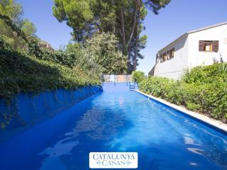 Villa Xerta for 13 guests, only 30 minutes from the beach! - Costa Dorada vacation rentals