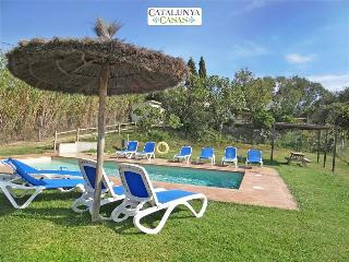 Villa Cal Belles for 16 guests, only 20km to the beaches of Costa Brava! - Riudarenes vacation rentals