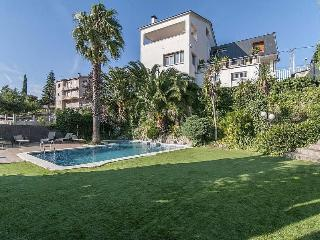 Cozy Villa Abrera for 10 guests, only 30km from Barcelona! - Abrera vacation rentals