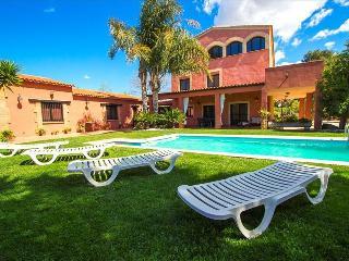 Alluring Villa Cabre Vinyols for up to 14 people in Costa Dorada! - Cambrils vacation rentals