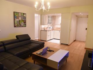 Très bel Appartement meublé de 2 pièces refait - Puteaux vacation rentals