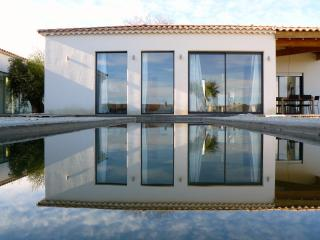 Contemporary villa with private pool in Uzès - Uzes vacation rentals