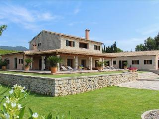 Sa Pota Des Rei - Villa with beautiful garden and private pool - Binissalem vacation rentals