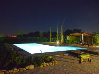 Appartamento Alba in casale con piscina - Corridonia vacation rentals