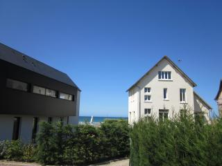 Cozy 1 bedroom Asnelles Condo with Internet Access - Asnelles vacation rentals