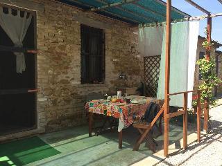 """casa """"Azzeruolo"""" piscina collina mare  agriturismo - Colonnella vacation rentals"""
