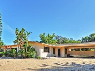 Cozy 3 bedroom Sarasota House with Internet Access - Sarasota vacation rentals