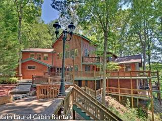 JORDAN LODGE- BEAUTIFUL 6BR/5BA CABIN WITH DOCK ON BEAR LAKE, BEAUTIFUL MOUNTAIN VIEWS, SLEEPS 18, INDOOR HOT TUB, 11 FLAT SCREEN TV`S, GAME ROOM WITH POOL TABLE, FOOSBALL, GAS GRILL, GAZEBO, FIRE PIT AND A WOOD BURNING FIREPLACE! STARTING AT $400/NIGHT! - Blue Ridge vacation rentals