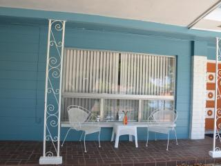Altamonte Springs/Bear Lake/ 35min to DISNEY WiFi - Apopka vacation rentals