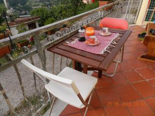 Romantic 1 bedroom Beverino House with Internet Access - Beverino vacation rentals