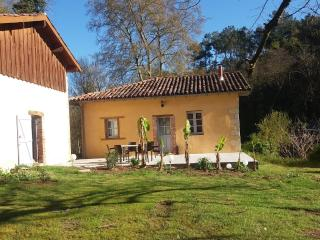 Cozy 3 bedroom House in Dax with Internet Access - Dax vacation rentals