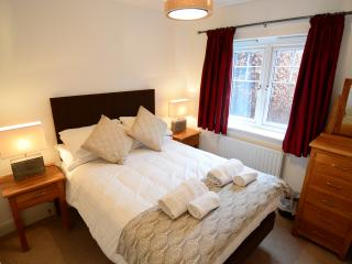 Oxford Vanbrugh Short Let Space Serviced apartment - Oxford vacation rentals