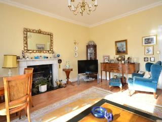 Beautiful Classic English Apartment in London - London vacation rentals