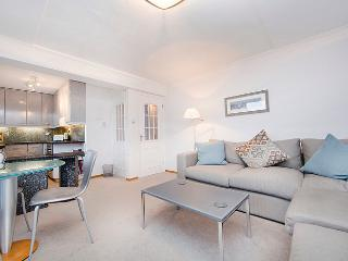 Superbly located 1 bedroom apartment with balcony- Covent Garden - London vacation rentals