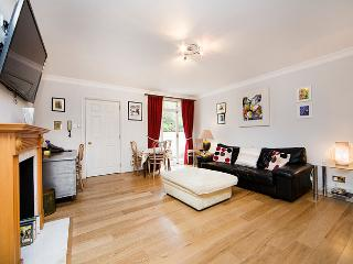 Prime location- 1 bedroom apartment in Pimlico - London vacation rentals