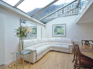 Large, classic family home with a contemporary twist- Holland Park - London vacation rentals