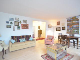 Elegant 2 bedroom apartment- South Kensington - London vacation rentals