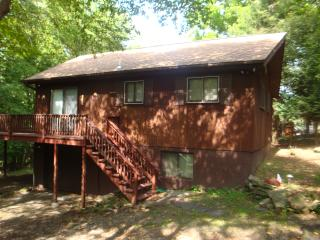 Lovely home for rent in The Hideout Community - Lake Ariel vacation rentals