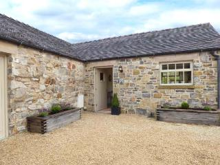 TISSINGTON FORD BARN, all ground floor barn conversion, en-suites, off road - Tissington vacation rentals