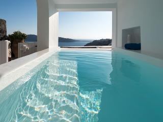 Lovely 3 bedroom Villa in Santorini with Internet Access - Santorini vacation rentals