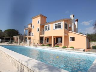 TH00211 Apartments Bilic / Two Bedrooms A3 - Golas vacation rentals
